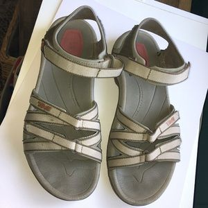 Teva outdoor sandals size 8